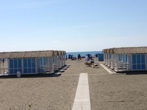 Rent a hut at Gambrinus beach